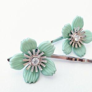 Pair•Bobby Pins•Hair Clips•Rhinestone Mint Flowers